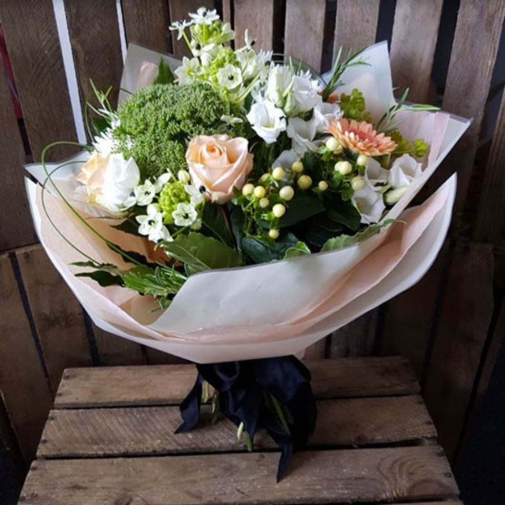 Octagon flowers bolton florist in bolton 01204 579109 order flowers izmirmasajfo