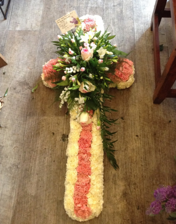 3ft Carnation Cross